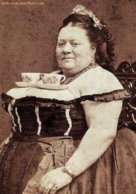【エンタメ画像】【画像】Tカップの胸を持つ女★★★★★★★★★★★★★★★★