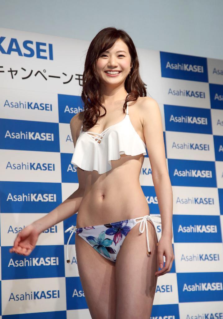 【エンタメ画像】【悲報】新しいビキニキャンペーンガールがまたしても中国人の件!!! ここ、日本でしょ!!! (´・ω・`)