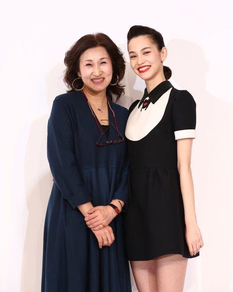 【エンタメ画像】【画像】水原希子、美女母との2ショット写真を公開