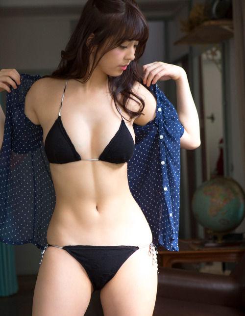 【エンタメ画像】《画像》柳ゆり菜とかいう女の体。。。。。。。