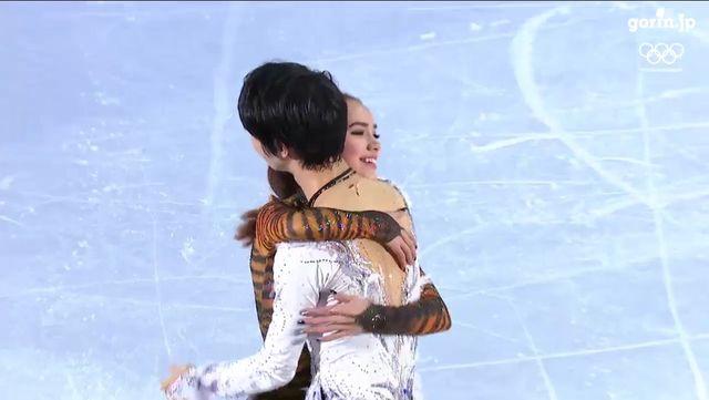 【エンタメ画像】【朗報】羽生結弦、ザキトワと熱い抱擁を交わす♪♪♪♪♪(画像あり)