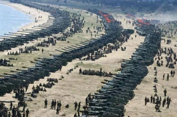【エンタメ画像】【画像】北朝鮮で行われた史上最大規模の火力訓練!!!!!!!!!!!!!!!