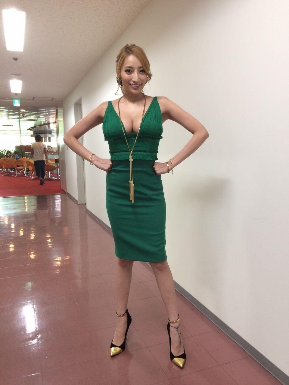【エンタメ画像】《朗報》加藤紗里さん、BUSトのサイズが100センチを超える♪♪♪♪w【画像あり】