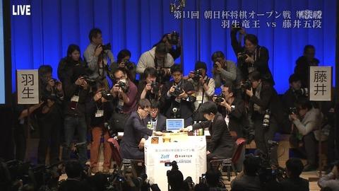 将棋の藤井聡太さんの現実、「りゅうおうのおしごと!」の設定を超える勢い