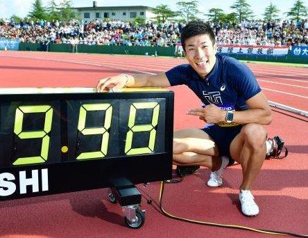 アシックス、日本人初の100m9秒台を生んだシューズメーカーに