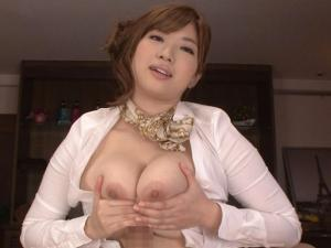 中村知恵 淫語責めローションパイズリでおっぱい狭斜させる巨乳痴女エステティシャン