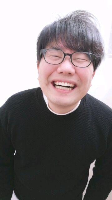星野源が笑うと石破茂に!? ペアーズのプロフ写真をとりなおし!01