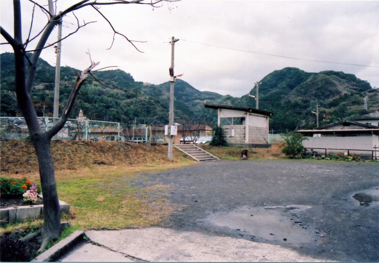大隅福山駅 : プラットホームの...