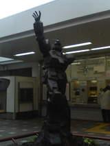 上井草駅前 ガンダム像
