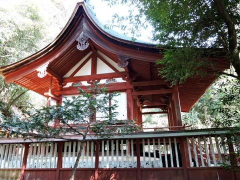 染羽天石勝神社の本殿 側面