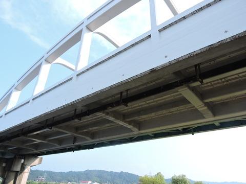 高角橋 橋桁 下から