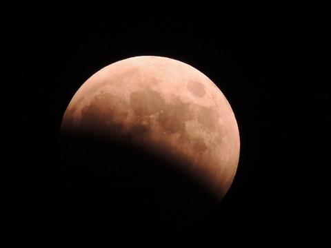 益田市 皆既月食2014年10月8日19:00ごろ