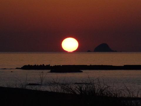 2013年9月21日益田市沖 日本海だるま夕日の風景