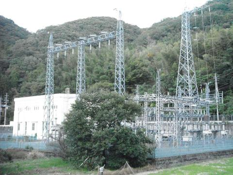 益田市の豊川発電所