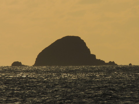 三生島 持石海岸より