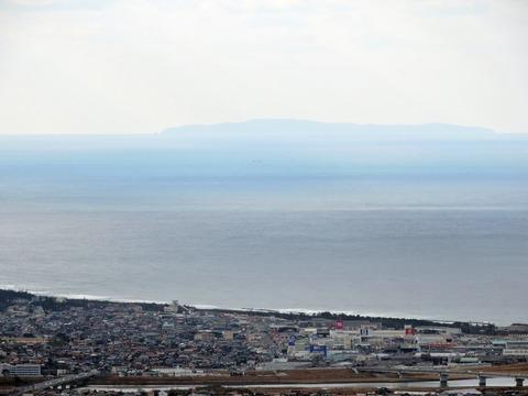 益田市比礼振山(権現山)から見島の風景