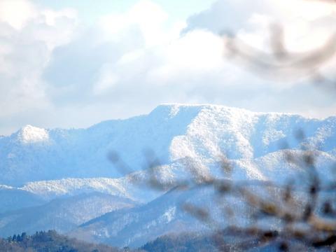 益田市の比礼振山(権現山)山頂から中国山地1