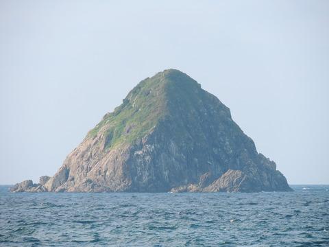 三生島 飯浦港より