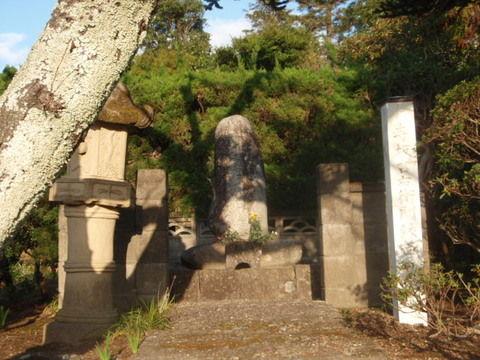 寺坂吉右衛門のお墓1