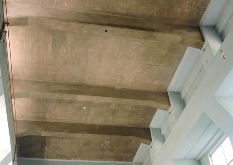 澄川発電所 天井 木枠跡