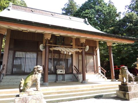益田市 住吉神社の拝殿