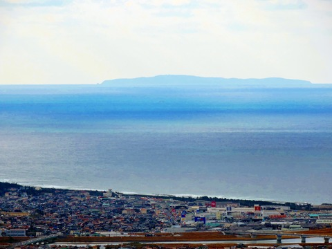 益田市比礼振山(権現山)から見島の風景s