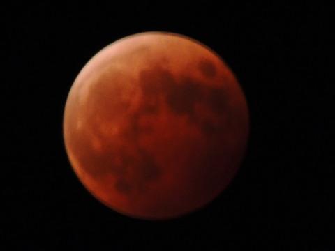 益田市 皆既月食2014年10月8日20:00ごろ