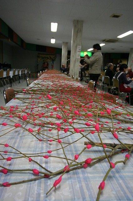 人形小路『雛めぐり』の会場を飾る、餅花作りをしました。の画像
