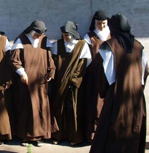 800px-Carmelitas_de_la_comunidad_de_Nogoyá