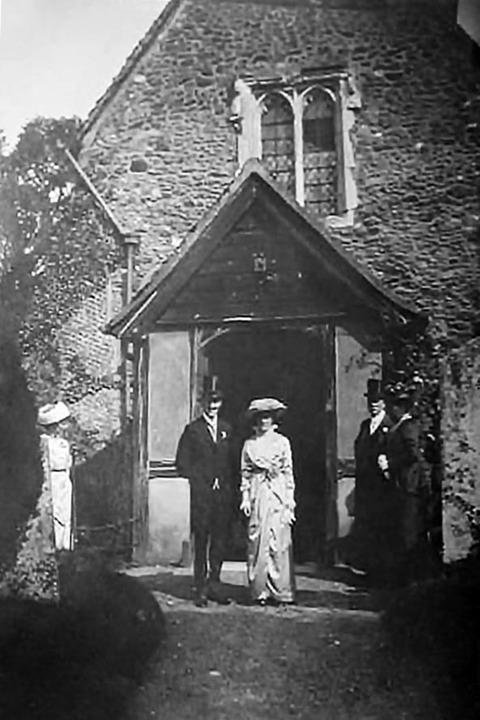 1914_wedding_in_shere-1