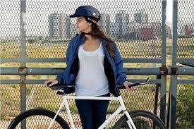 【東京都】自転車利用者ヘルメットの着用義務化!? 有識者により条例の改正を検討・・・2ch「また利権か」