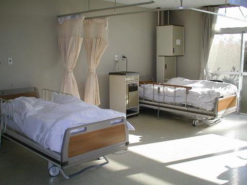 【介護】特養老人ホーム愛心園、認知症入居者34人に対し規定の手続きをせず身体拘束を行う