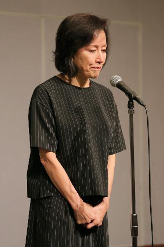 高畑淳子、息子高畑裕太逮捕の謝罪会見で舞台『雪まろげ』の宣伝をキッチリこなすwww