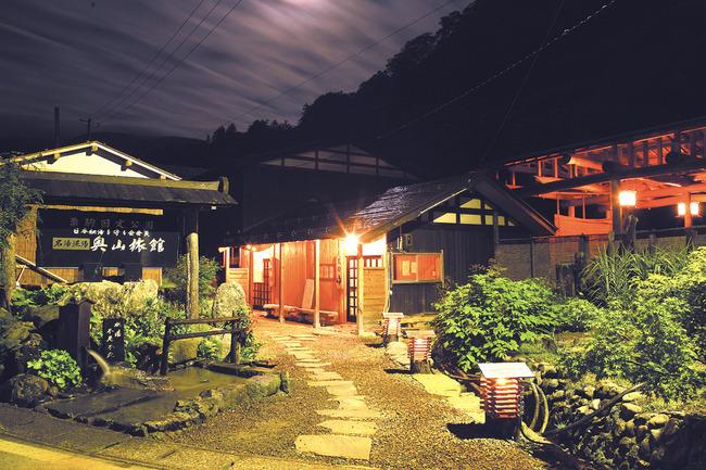 秋田県の奥山旅館が全焼、従業員が1人死亡→10年前に悲惨な事故で一家4人死亡していた怨念か!?