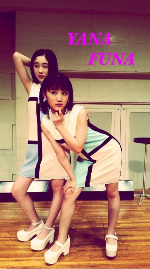 【画像】カントリーガールズ梁川奈々美&船木結のセクシーポーズきたああああああああああああああああ