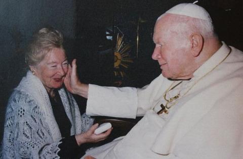 【衝撃】ローマ教皇の故ヨハネパウロ2世、人妻と30年の親密関係……証拠が見つかる