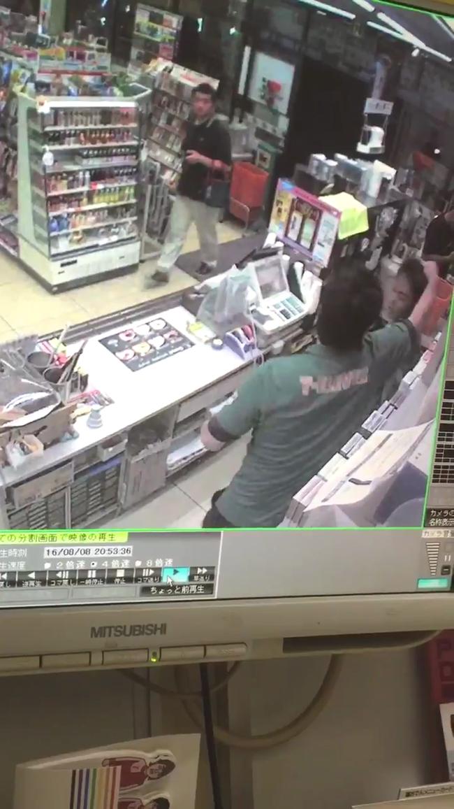 【動画】セブンイレブンのバイトが仕事中に店長から暴行された映像を内部告発