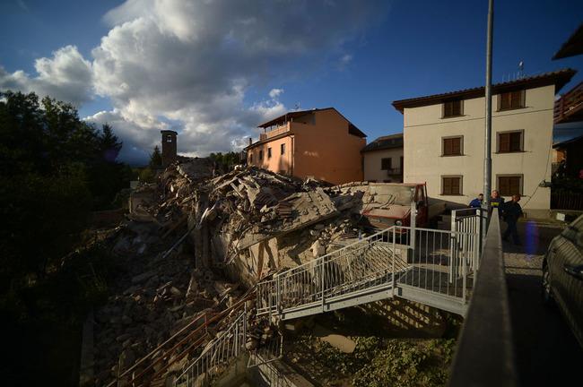 【画像】イタリア・M6.2のアマトリーチェの地震被害の様子が凄まじい…。