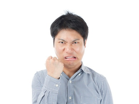 男が男に嫉妬するポイントTOP10を発表!気になる第一位は…。