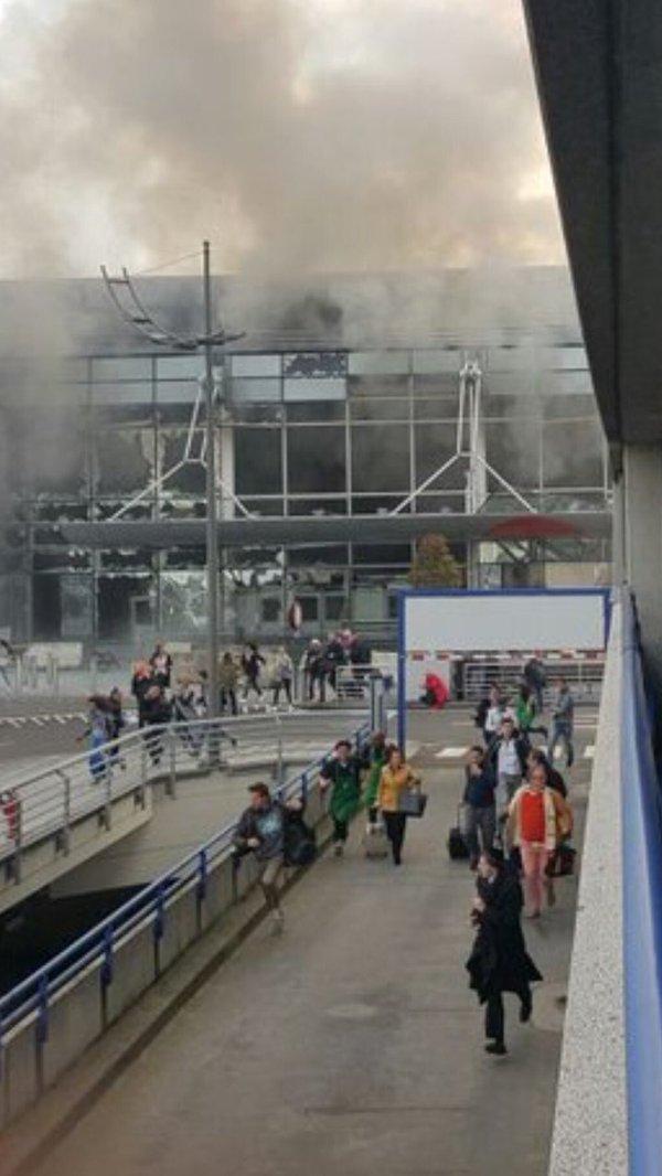 【動画あり】ブリュッセル空港で2度の爆発! テロ!?少なくとも死者1名