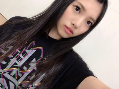 上村莉菜 Tシャツ
