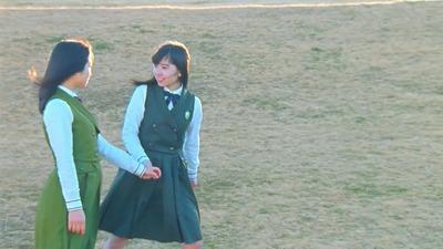 米谷奈々未へ長濱ねるが飛びつく!本日で欅坂46としての活動終了へ。最後の握手会後の様子がこちら!