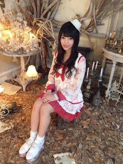 上村莉奈のドレス画像