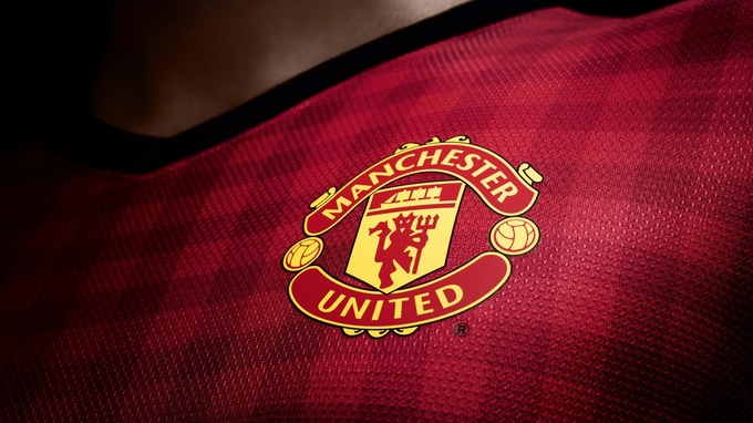 Manchester_United-Logo_Brand_Sports_HD_Wallpaper_1366x768[1]