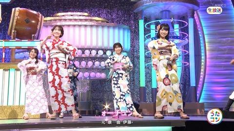 AKB48さん、さすがに乃木坂をバックダンサーにはできなかった・・・