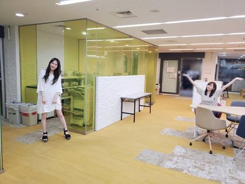 【乃木坂46】高山一実が美脚を惜しげもなく披露!!! ANN楽屋の様子を公開!!!