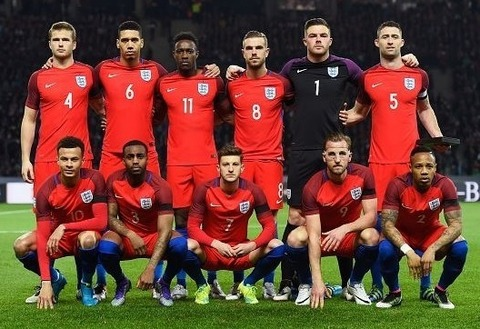 England-2016-NIKE-away-kit-red-red-blue-line-up