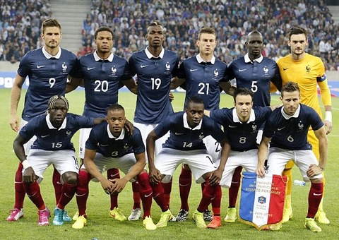 France-14-15-NIKE-home-kit-navy-white-red-line-up