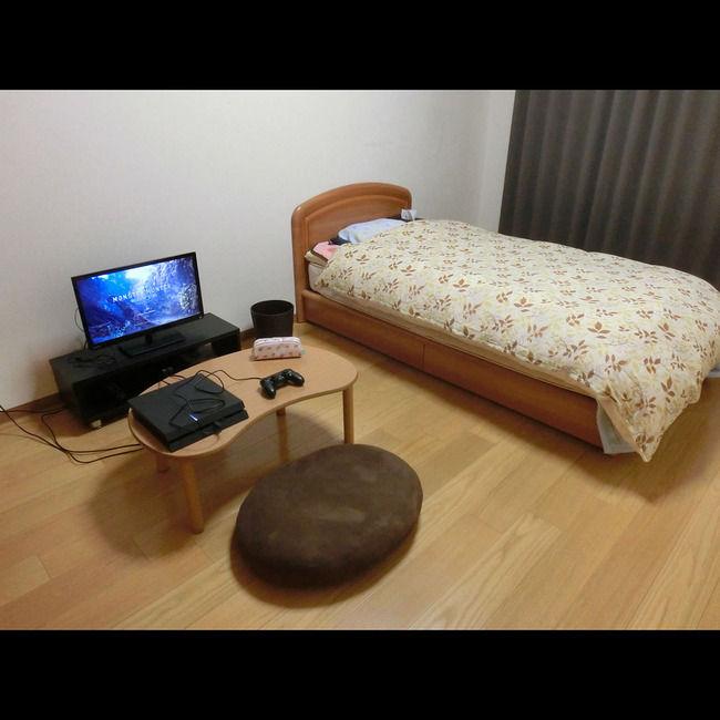 俺の部屋シンプルすぎワロタwwwwww