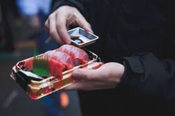 寿司のパックを作ってる容器会社ちょっとこい!!!良いこと教えてやる!!!!